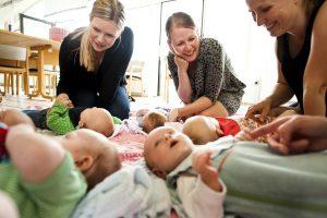 Babysalmesang, foto_Folkekirkens materialebank